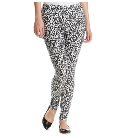 4cef9bc8ae55bd HUE Pants | Ikat Floral Cotton Leggings Size Sm 46 M 810 | Poshmark